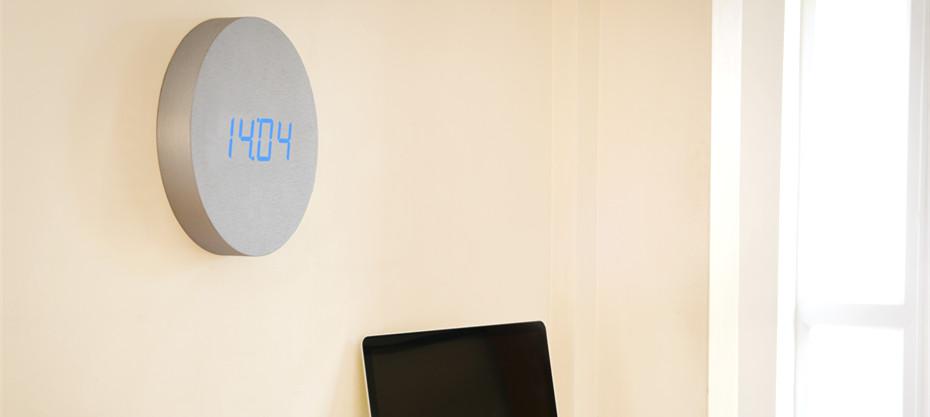 Wall Click Clock